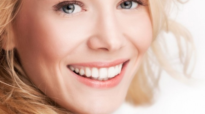invisalign-scottsdale-smile-812x400-1-680x380